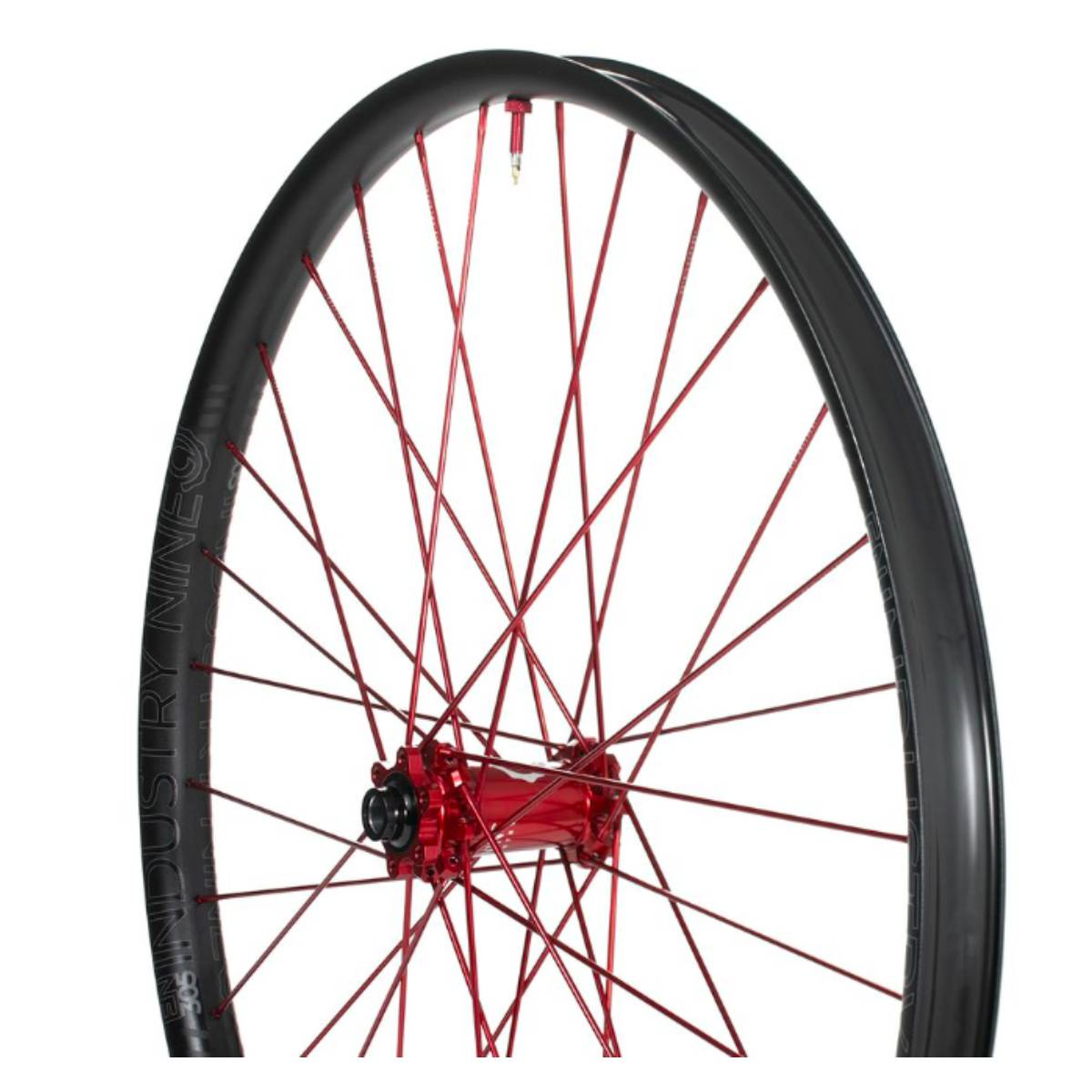 ROUES INDUSTRY 9 HYDRA ENDURO 315 CARBON 29 15X110/12X157  32 RAYONS 6 BOLTS MICROSPLINE CUSTOM ROUGE