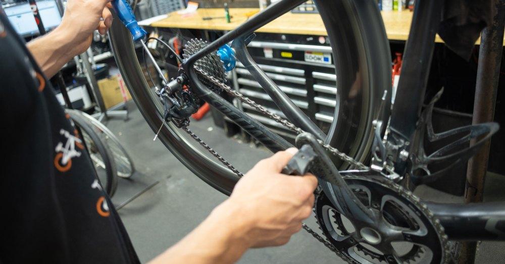Comment choisir son groupe de transmission pour son vélo de route
